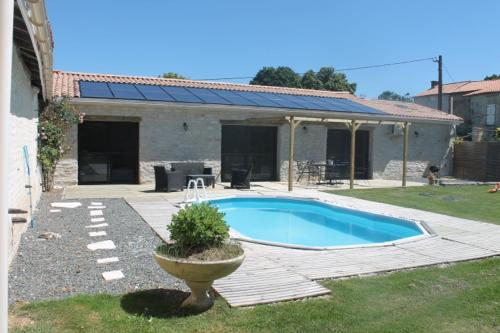 Gite Sud Deux Sevres : Guest accommodation near Vallans