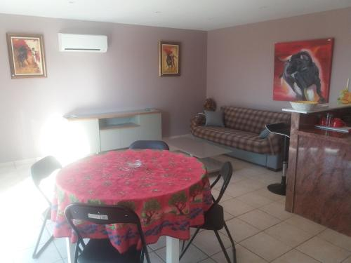 Gite du Figuier : Guest accommodation near Canet