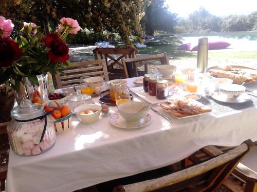 La Maison de Charlie : Bed and Breakfast near Vaugines