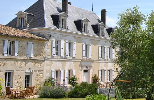 Boutique retreat France : Guest accommodation near Châteauneuf-sur-Charente