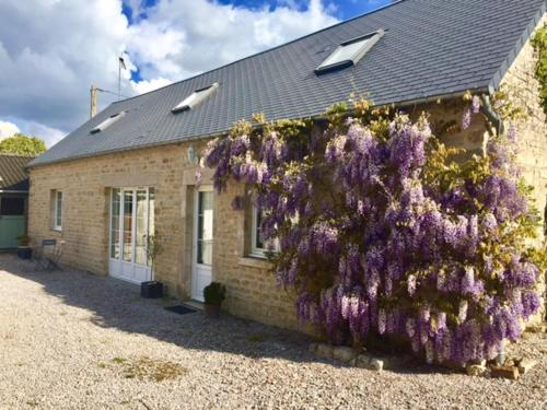 Ferme de Riou : Guest accommodation near Éroudeville