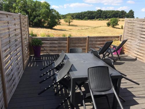 Logement toit terrasse : Apartment near La Chapelle-des-Pots