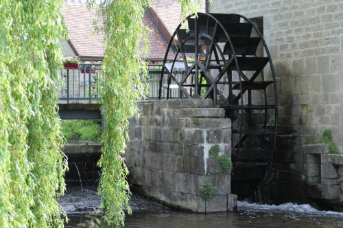 Moulin De Petoulle : Guest accommodation near Crézançay-sur-Cher