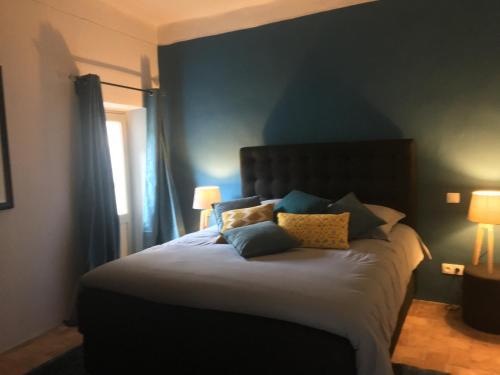 La Suite du 9 : Apartment near Puyvert