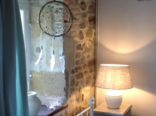 Domaine Charente - B&B / Familyroom Le Jardin (with external toilet & shower house) : Bed and Breakfast near Lussac
