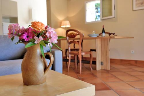 Les Cypres : Guest accommodation near Codolet