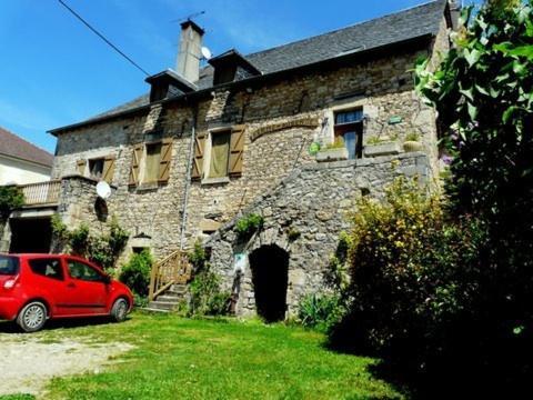 Ferme de Bournazel : Guest accommodation near Compolibat