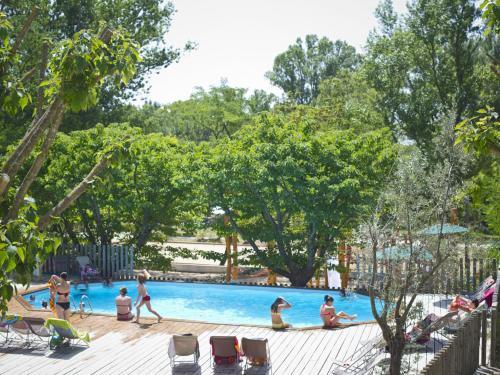 Huttopia Le Moulin : Guest accommodation near Saint-Martin-d'Ardèche