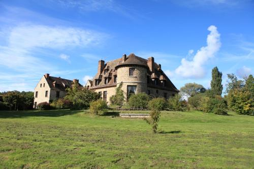 Manoir le Logis D'Arniere : Bed and Breakfast near Le Val-Saint-Germain