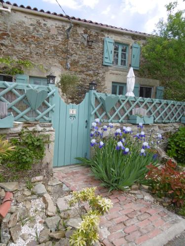 Alba Melusine : Bed and Breakfast near Saint-Laurs