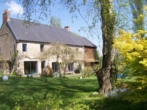Les Rhodos : Bed and Breakfast near Villedieu-les-Poêles