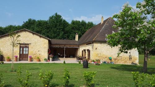 Le Nid de Faucons : Guest accommodation near Monsac