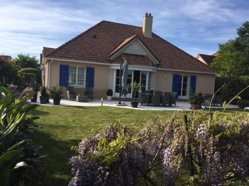 Luxury Villa on Disneyland Golf Course : Guest accommodation near Coutevroult