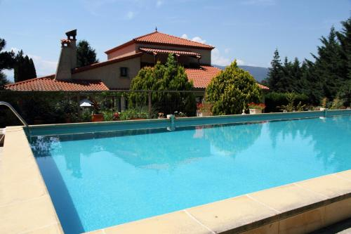 Canigou Lodge : Bed and Breakfast near Casteil