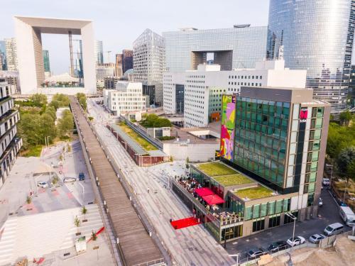 citizenM Paris La Défense : Hotel near Courbevoie