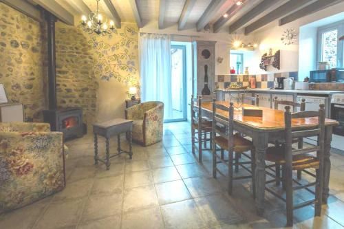 La Champillaumiere : Guest accommodation near Saint-Floret