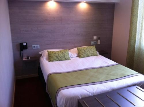 Eliotel : Hotel near Puy-Guillaume