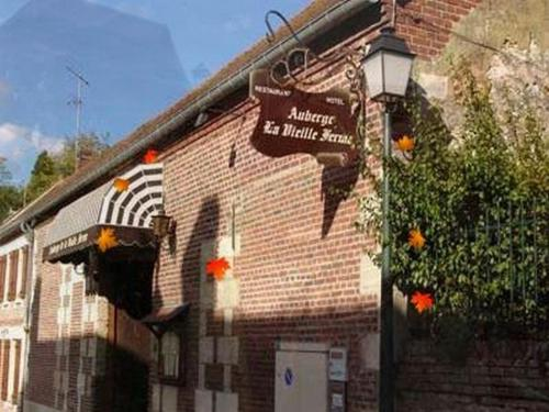 Auberge de la Vieille Ferme : Hotel near Rhuis