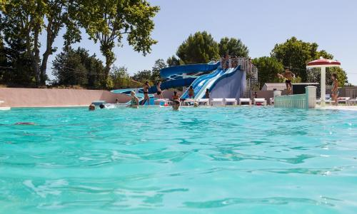 Camping Le Mas de l'Isle : Guest accommodation near Mudaison