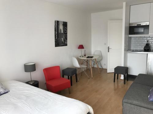 Appartement Lenoir : Bed and Breakfast near Paris 11e Arrondissement