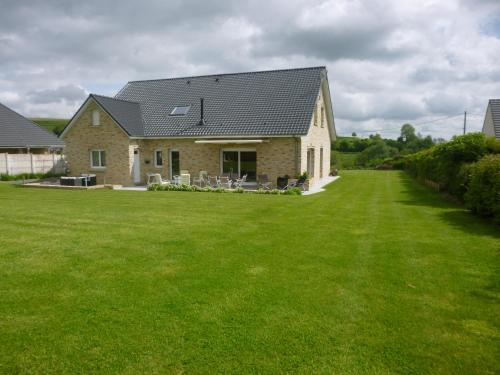Maison de Charme de La Biette : Guest accommodation near Recques-sur-Hem
