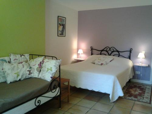 Chambres d'Hôtes Les Douves : Bed and Breakfast near Marignac-Lasclares