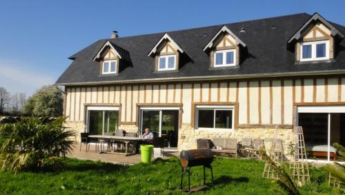 Maje : Guest accommodation near Fourneville