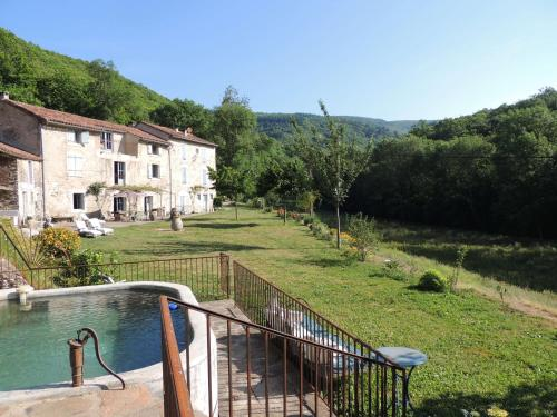 Nabat le Haut, chambre et table d'hotes : Bed and Breakfast near Courniou