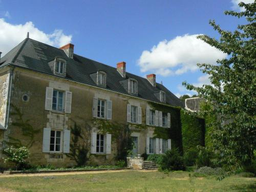 Manoir De Vilaines : Guest accommodation near Mazeuil