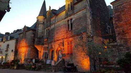 La Tour du Lion : Bed and Breakfast near Saint-Vincent-sur-Oust