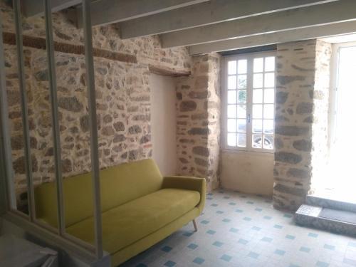 Les Mistinguettes : Guest accommodation near Combrand