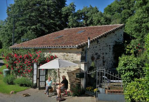 The Rose Barn - La Grange aux Roses : Guest accommodation near Lussac