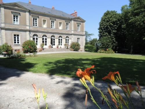 Château du Plessis Grimaud : Bed and Breakfast near Saint-Viaud