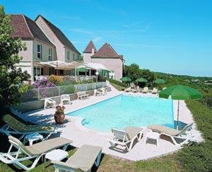 Hotel The Originals Le Relais de Castelnau (ex Relais du Silence) : Hotel near Saint-Céré