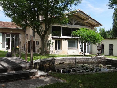 Le Moulin de l'Abbé : Guest accommodation near Lagardiolle