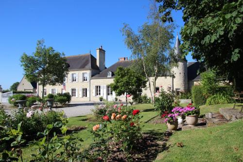 Manoir de Turqueville les Quatre Etoiles : Bed and Breakfast near Boutteville