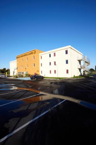 Première Classe Istres : Hotel near Istres