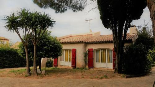 La VillaLonde Miramar : Guest accommodation near La Londe-les-Maures