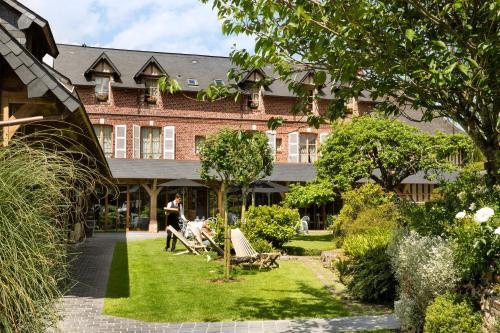 Auberge de la Source - Hôtel de Charme : Hotel near Équemauville