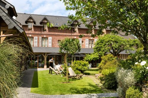 Auberge de la Source - Hôtel de Charme : Hotel near Fourneville