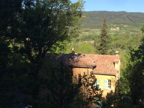 Maison d'Hôtes à Angouire : Guest accommodation near Bras-d'Asse