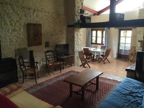Lili des Figuiers : Guest accommodation near Montaut