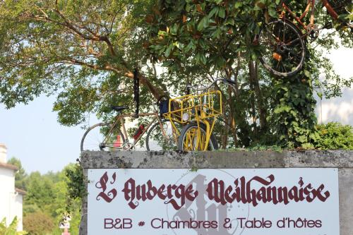 L'auberge Meilhannaise : Bed and Breakfast near Birac