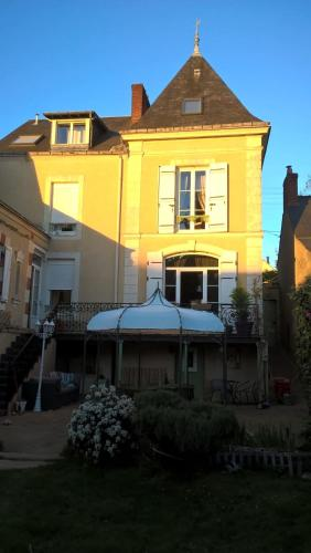 Le Clos Manceau : Bed and Breakfast near Teillé