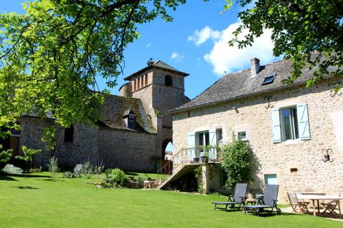 Gîtes du Presbytère : Bed and Breakfast near Morlhon-le-Haut