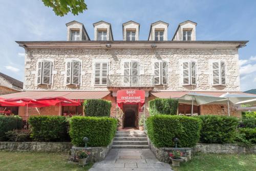 Hotel Michallet : Hotel near Virieu-le-Grand