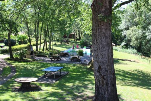 Les Chalets du Gelat : Guest accommodation near Cazats