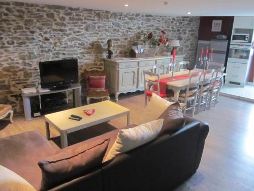 Chez Martine Côté Canal : Bed and Breakfast near Pennautier