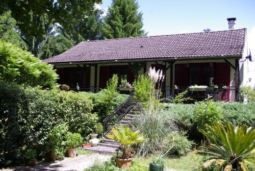vakantiewoning Thury : Guest accommodation near Sougères-en-Puisaye
