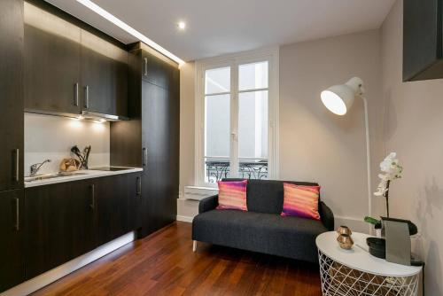 Charmant studio neuf proche des Invalides (D01) : Apartment near Paris 7e Arrondissement
